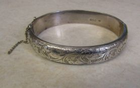 Silver bangle (safety chain needs reattaching) Chester 1949 weight 21.2 g / 0.68 ozt