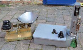 Avery scales, a set of shop scales & a sack weight