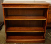 Ian Smith reproduction Georgian burr walnut & mixed wood shelf unit Ht 90cm L 89cm D28cm