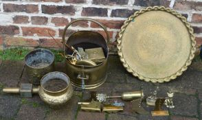 Various items of brass ware