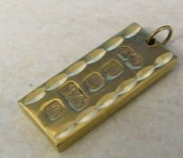 9ct gold bar pendant weight 26.3 g