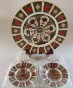 Royal Crown Derby imari plate no 1128 D 23 cm (second quality) and 2 small Royal Crown Derby imari