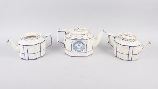 Three 19th century blue and white Castleford teapots (damages)