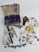 A quantity of assorted jewellery within