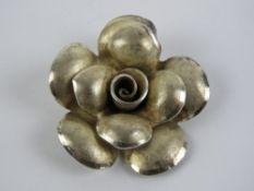A 925 silver pendant in the form of a fl