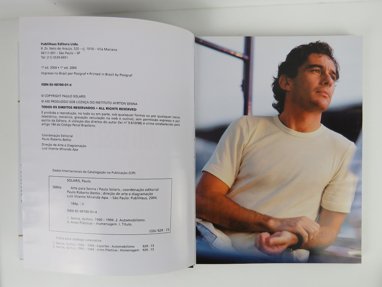 Arte Para Senna (Art for Senna) by Paulo Solaris, Portuguese edition, published 2004. Hardback book. - Image 2 of 2