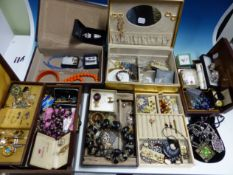 A LARGE QUANTITY OF VINTAGE AND OTHER COSTUME JEWELLERY.