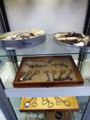 A GOOD COLLECTION OF 17th-19th.C. IRON LOCK KEYS TO INCLUDE FRAMED DISPLAYS. (QTY)
