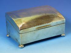 A HALLMARKED SILVER TABLE TOP CIGARETTE BOX ON SQUAT BUN FEET, MEASUREMENTS W 13.5cms X D 8.5cms X H