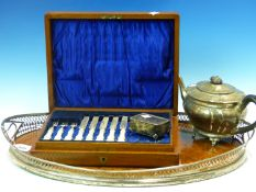 A VICTORIAN HALLMARKED SILVER PIERCED RIM GALLERY TRAY WITH WALNUT BASE TOGETHER WITH A HALLMARKED