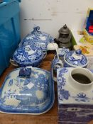 VARIOUS BLUE AND WHITE CHINAWARES.