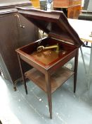 A MAHOGANY TABLE CASED WIND UP GRAMOPHONE, THE SHAPED SQUARE TOP HINGED OVER THE TURNTABLE AND SOUND