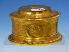 A 19th C. FRENCH GILT BRONZE BOX CAST WITH ROUNDELS OF 17th C. MALE AND FEMALE HEADS, THE CIRCULAR
