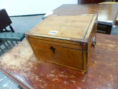 A GEORGIAN INLAID WORK BOX WITH FITTED INTERIOR AND BRASS RING HANDLES 26 CM WIDE.