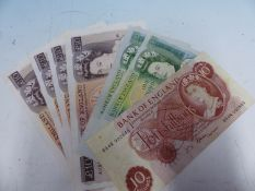 A COLLECTION OF 1970-91 BRITISH BANK NOTES WITH THE FACSIMILE SIGNATURES OF CHIEF CASHIERS FFORDE,