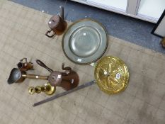 A SMALL COLLECTION OF ANTIQUE AND LATER METALWARE INCLUDING A BRASS WARMING PAN, A PEWTER CHARGER