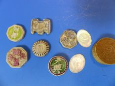 SIX CHINESE PORCELAIN GAMBLING TOKENS TOGETHER WITH MOTHER OF PEARL COUNTERS INITIALLED C, SOME