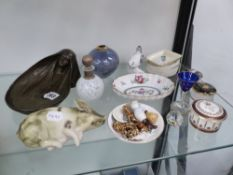 AN ART NOUVEAU STYLE PIN TRAY, SMALL DISHES, ORNAMENTS ETC.