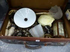 A QUANTITY OF VINTAGE LIGHT FITTINGS IN A LEATHER SUITCASE.