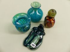 THREE PIECES OF MDINA GLASS, AND A SIMILAR PAPERWEIGHT.