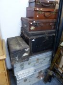 A QUANTITY OF VARIOUS ANTIQUE LUGGAGE.