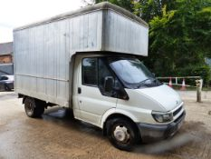 A FORD TRANSIT LUTON VAN, STARTS AND DRIVES WELL.