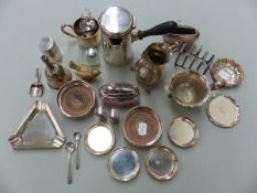 A SMALL GROUP OF SILVER AND PLATED WARES TO INCLUDE PIN DISHES, COASTERS, CREAM JUG ETC.