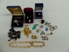 9CT GOLD QUARTZ RING, 9CT GOLD CELTIC BROOCH, TWO GIVENCHY NECKLETS,SIX FURTHER RNGS, GLASS CROSSES,