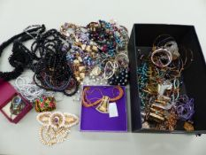 A COLLECTION OF MODERN COSTUME JEWELLERY.