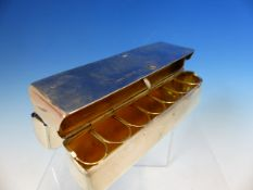 AN EDWARDIAN HALLMARKED SILVER ARTISTS TRAVELLING POCKET FOLDING PAINT PALLET BOX, WITH A GILDED