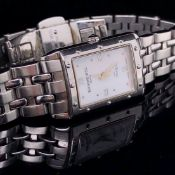 A LADIES RAYMOND WEIL QUARTZ WRIST WATCH, REFERENCE NUMBER 5971. COMPLETE WITH A BI-FOLDING