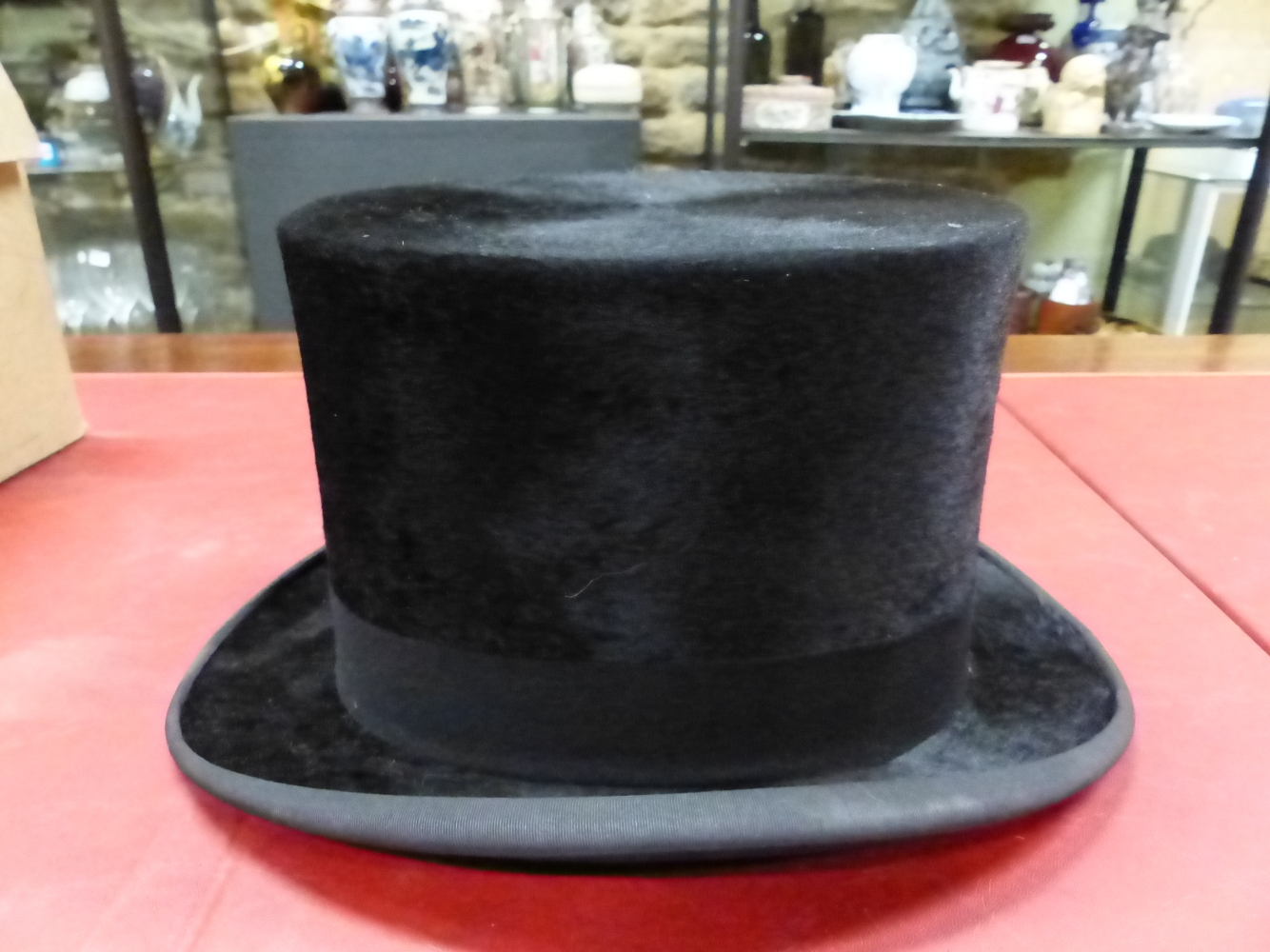 Lot 3138 - A TRESS & Co. BLACK SILK TOP HAT MADE FOR J E WHITE OF WARRINGTON IN LINCOLN BENNETT BOX WITH SPATS,