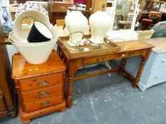 A MODERN DRESSING TABLE, A BEDSIDE CHEST, A PAIR OF TABLE LAMPS, MIRROR ETC.