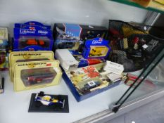 VARIOUS BOXED AND LOOSE DIE CAST VEHICLES.