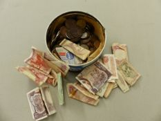 A QUANTITY OF VARIOUS GB AND CONTINENTAL COINAGE AND BANK NOTES.