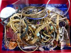 A COLLECTION OF MISC. COSTUME JEWELLERY AND WRIST WATCHES.