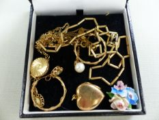 A 9ct GOLD AND OPAL PENDANT, A 9ct GOLD AND PEARL PENDANT, A PAIR OF 9ct GOLD HOOP EARRINGS AND A