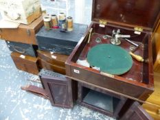 A QUANTITY OF GRAMOPHONES AND PARTS TO INCLUDE A BASSANOPHONE.
