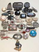 ANTIQUE AND VINTAGE BROOCH SELECTION TO INCLUDE SILVER EXAMPLES, MUCROSS CARVING, JET, SCOTTISH
