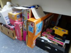 VINTAGE SINDY DOLL ACCESSORIES, TO INCLUDE, DINING TABLE AND CHAIRS AS NEW IN BOX, BED AND