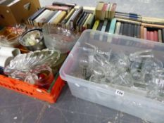 A QUANTITY OF HOUSEHOLD CHINA AND GLASS WARES.