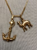 AN 18ct GOLD ANCHOR PENDANT AND CAMEL PENDANT SUSPENDED ON AN 18ct GOLD CURB CHAIN. GROSS WEIGHT 8.