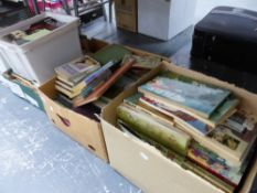 A LARGE QUANTITY OF VINTAGE GILES ANNUALS, VINTAGE MAGAZINE TO INCLUDE HABITAT, ETC, VARIOUS