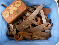 A SMALL COLLECTION OF ANTIQUE PERCUSSION AND OTHER GUN LOCKS AND LOCK SPRINGS.