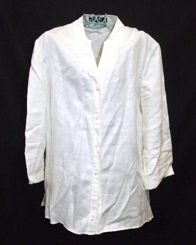 Lot 765 - Ladies Tops & Blouses Size 14: Nitya cream linen blouse, Alex & Co. animal print vest top, Planet