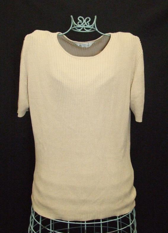 Lot 460 - Ladies Modern Separate Size 16: A La Maison pink top, Atlantic grey knitted skirt, Gallery cream