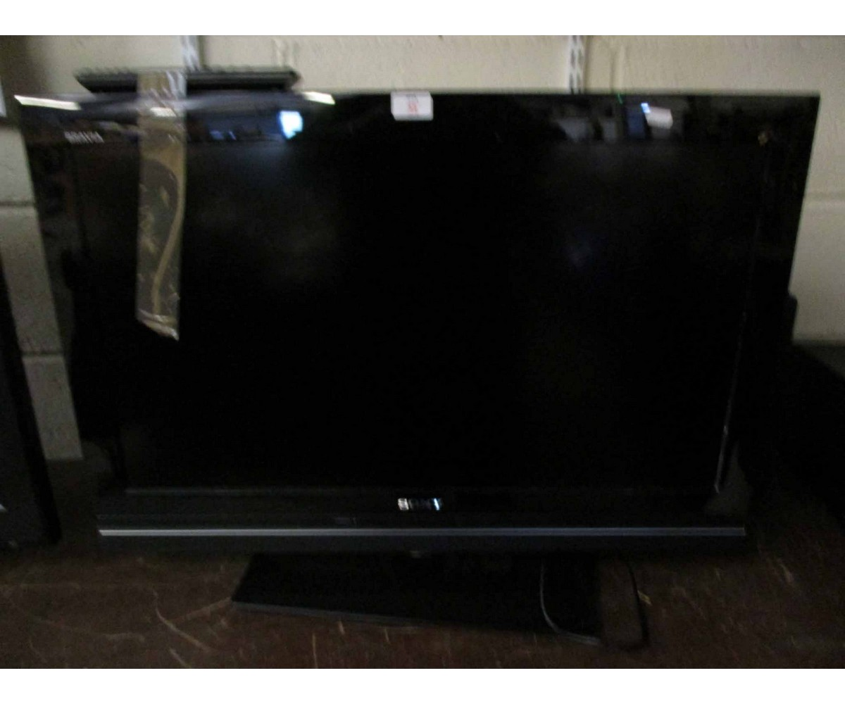 Lot 35 - SONY FLAT SCREEN TV MODEL KDL-32W5710 AND REMOTE
