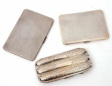 Group: Edwardian 3-finger cigar case of fluted rectangular form with foliate engraved decoration and