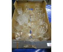 BOX OF VARIOUS BRANDY BALLOONS AND DRINKING GLASSES