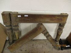 SET OF FOUR VICTORIAN MAHOGANY FLUTED DINING TABLE LEGS